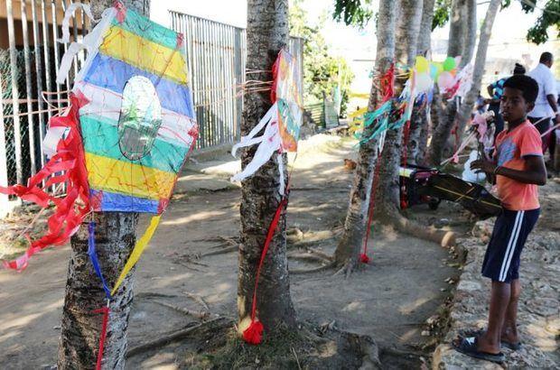 Celebran Primer Festival de Chichiguas en Paraíso de Dios