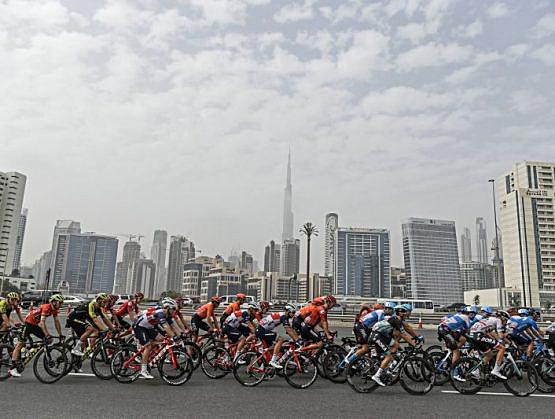Temporada de ciclismo en caos tras cancelación de carreras en Italia.
