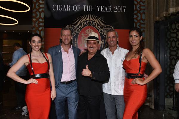 Don Carlos Eye of The Shark se corona con el Top Dominican Cigar