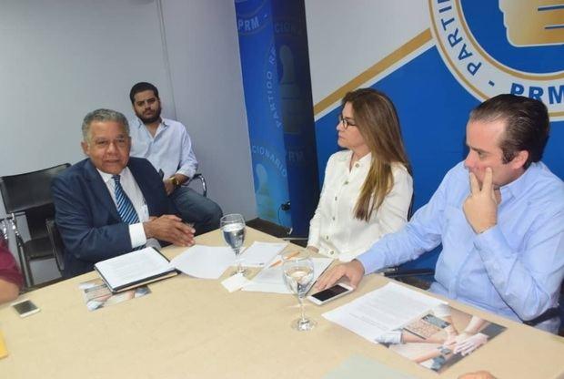 Coalición Democrática entrega documento a cúpula del PRM
