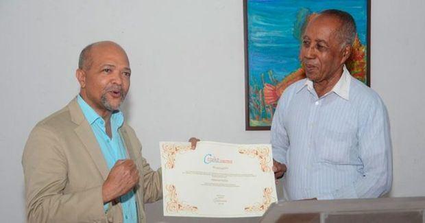 CODAV reconoce artistas y colaboradores