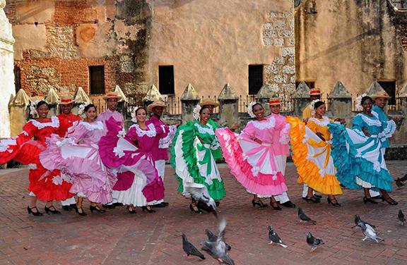 Ministerio de Cultura celebra Día Mundial del Folklore con Tercer Encuentro de Cofradías
