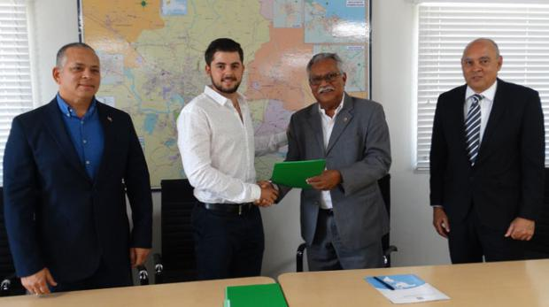 Formalizan alianza público-privada en Santiago para enfrentar el cambio climático