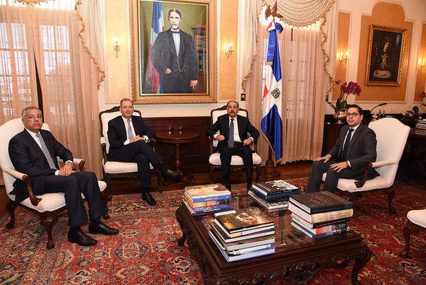 Presidente Medina recibe a nuevo representante del BID en el país