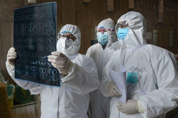 COVID-19 amenaza con reducir la esperanza de vida global, tras años de mejora