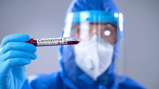 Médicos de la ARD realizan pruebas rápidas del Covid-19 en Boca Chica.