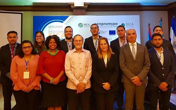 Participantes en el encuentro del SICA