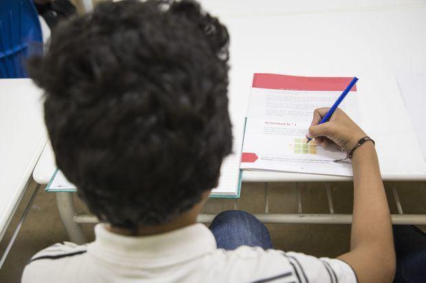 Minerd distribuye cuadernillos para reforzar el aprendizaje de estudiantes