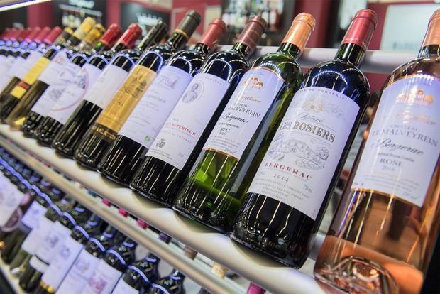 EE.UU. anuncia nuevos aranceles a vinos alemanes y franceses