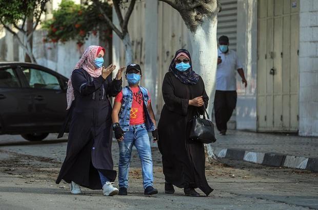 Los casos de coronavirus a nivel mundial pasan la barrera de los 25 millones