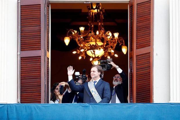 Lacalle Pou, investido presidente de Uruguay bajo la consigna de cambio político
