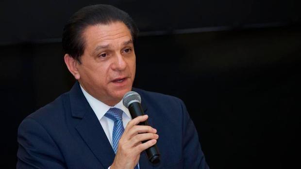Ministro de Salud destaca baja positividad de covid y anuncia pruebas masivas