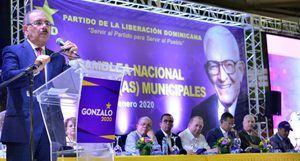 El presidente Danilo Medina habló así ante centenares de candidatos a posiciones de elección municipales del Partido de la Liberación Dominicana (PLD).
