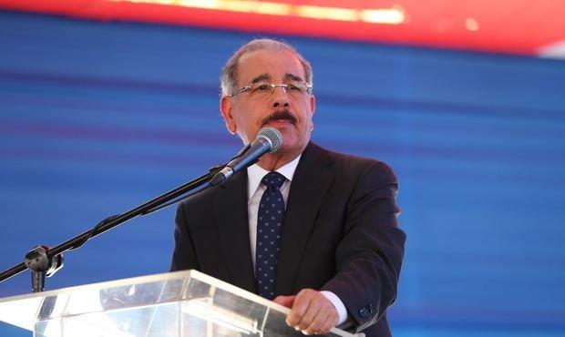 Advierten a Danilo de inconstitucionalidad ley de emisión valores de deuda pública