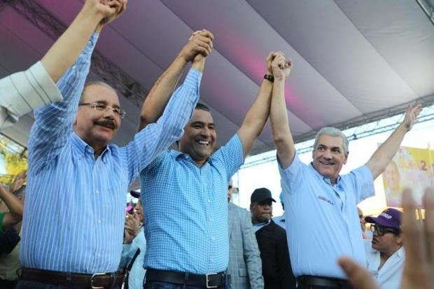 Presidente Danilo Medina y el candidato presidencial del Partido de la Liberación Dominicana (PLD), Gonzalo Castillo, encabezaron ayer domingo dos actos en los municipios Santo Domingo Norte y Este.