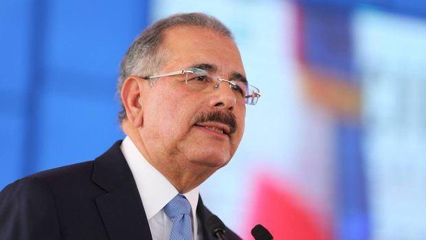 Danilo Medina llama a trabajadores a unidad para impulsar país por crisis COVID-19