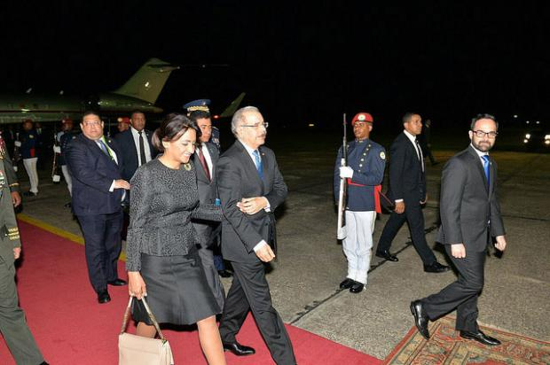 Presidente y Primera Dama a su regreso al país