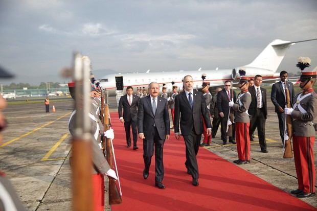 Danilo Medina llega a Guatemala, para participar en LIII reunión de jefes de estado y gobierno del SICA