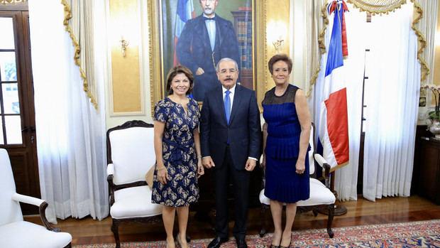 Expresidenta de Costa Rica, Laura Chinchilla, visita a Danilo Medina
