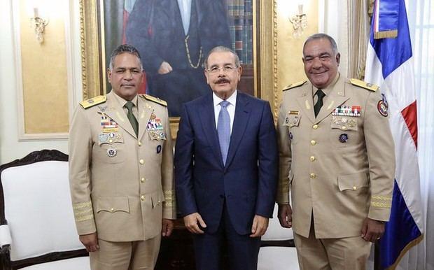 Miembros del alto mando militar se reúnen con presidente Danilo Medina