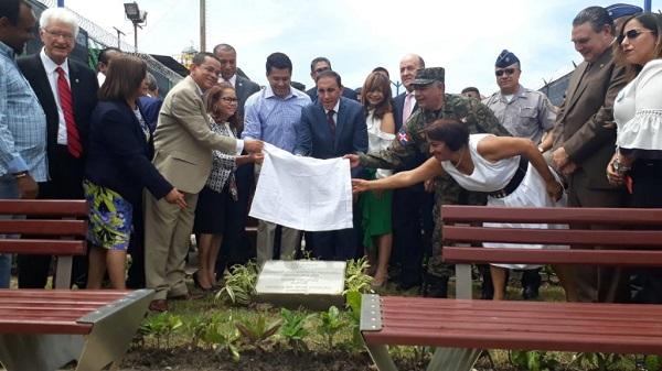 Alcaldía del DN inaugura parque en honor a Cruz Jiminián en Cristo Rey