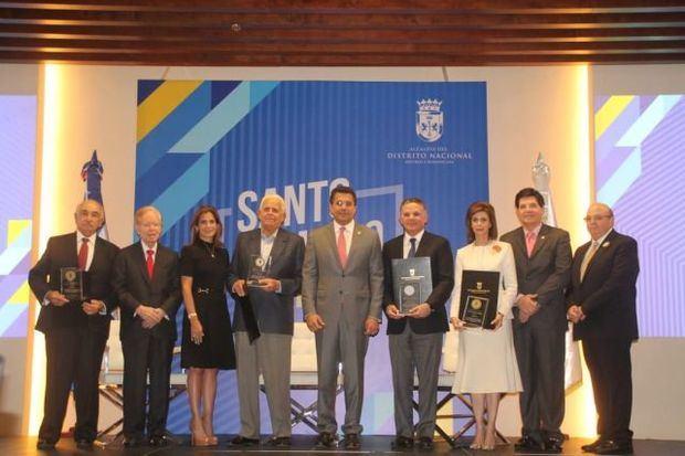 David Collado reconoce importantes figuras del empresariado dominicano