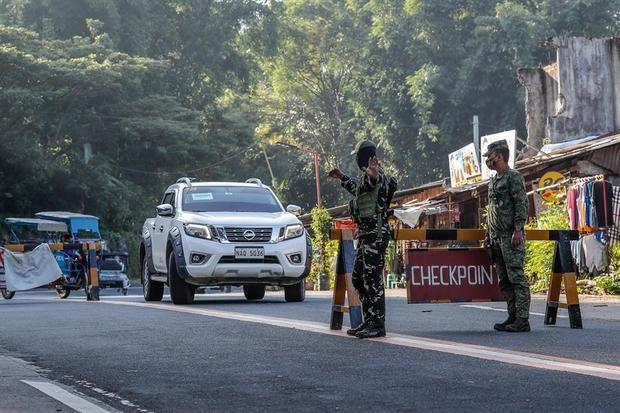 La cuarentena en Manila, la más larga del mundo, se prolonga un mes
