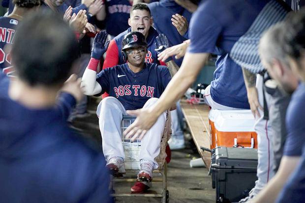 Medias Rojas apalean a Astros para igualar Serie de Campeonato