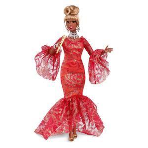 Fotografía cedida por Mattel donde aparece una muñeca Barbie de la cantante Celia Cruz lanzada con motivo del inicio del Mes de la Herencia Hispana.