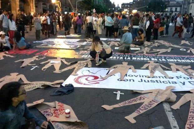 Indignados, familiares de víctimas exigen respuestas a la tragedia en Brasil