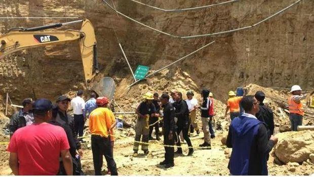 Tres muertos por derrumbe en área de construcción de hotel en Santiago