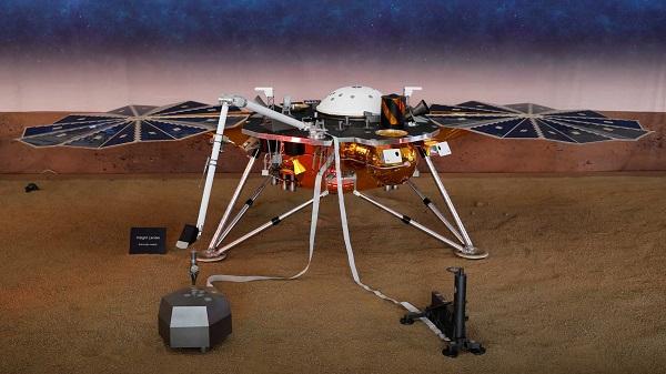 El módulo espacial InSight de la NASA aterriza con éxito en Marte