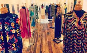 Icónicos vestidos de Celia Cruz se exhiben por primera vez en RD