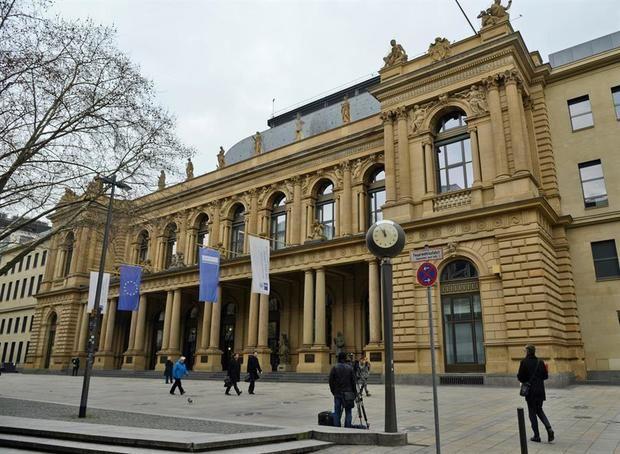 Las bolsas europeas suben animadas por los mejores datos económicos