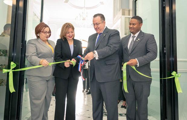 DGII inaugura nuevas oficinas