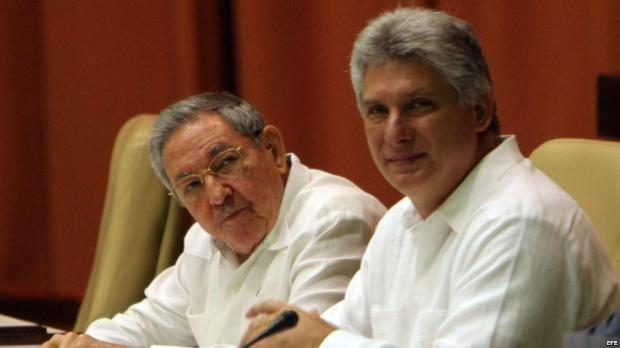 Díaz Canel, propuesto para suceder a Raúl Castro en una renovación