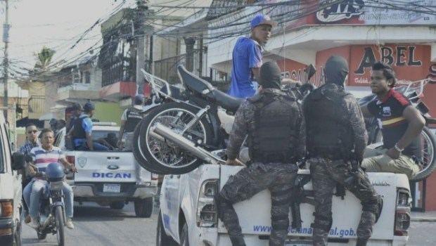 Incautan drogas, armas y dinero en varios operativos contra el microtráfico