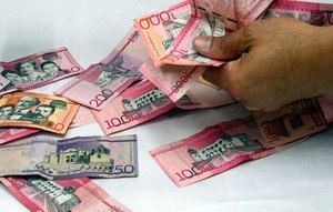 Varias organizaciones de comerciantes anunciaron movilizaciones contra el aumento del 14% del salario mínimo dispuesto el pasado martes en el Comité Nacional de Salarios (CNS) por Gobierno y sindicatos, sin respaldo del sector empresarial, medida que no están dispuestos a aplicar.