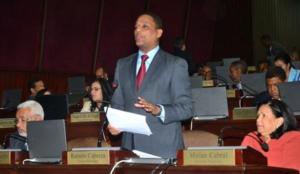 Diputados escogen comisión especial para reformar ley de Seguridad Social