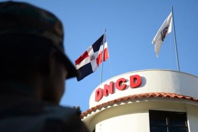La DNCD suspende agentes por actuar de manera