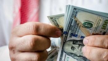 Arrestan en aeropuerto dominicano a venezolanos con 1,3 millones de dólares