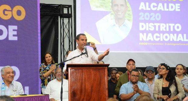 Domingo Contreras reconoce triunfo de Carolina Mejía en el Distrito Nacional