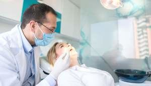 Odontólogo.