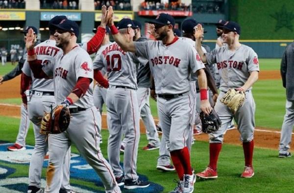 Medias Rojas vencen a Astros y se colocan a un paso de la Serie Mundial