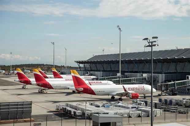 Aerolíneas preparan su vuelta al ritmo del levantamiento de las restricciones