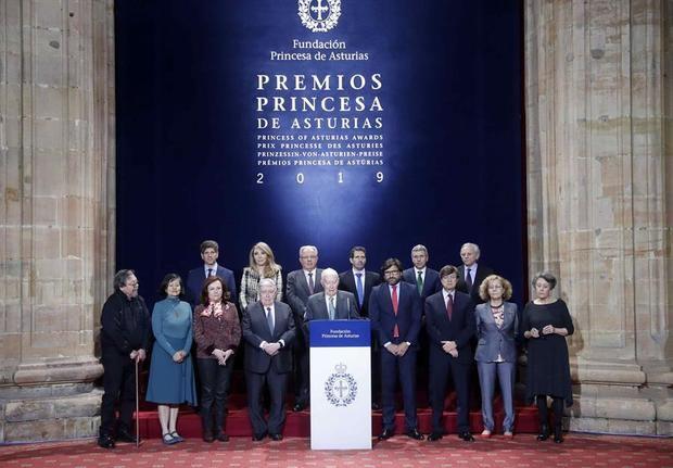 El jurado del Premio Princesa de Asturias de Comunicación y Humanidades 2019, presidido por Víctor García de la Concha.