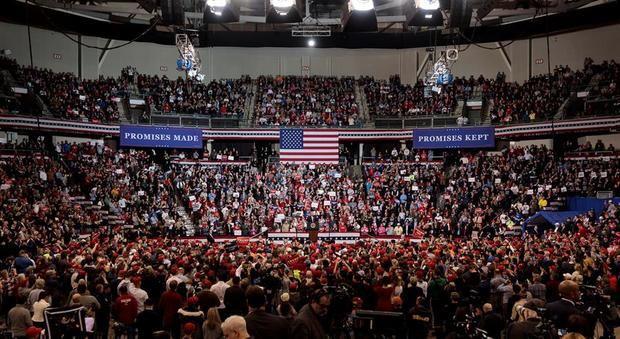 Trump lleva su campaña a una New Hampshire que respira primarias demócratas