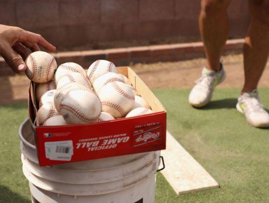 MLB y sindicato permanecen divididos sobre los salarios prorrateados completos
