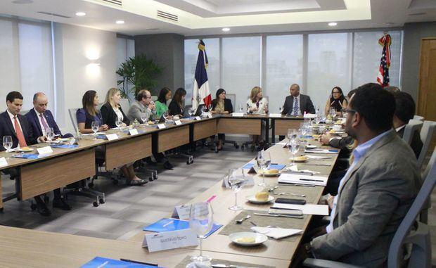 AMCHAMDR se adhiere al Acuerdo de París sobre Ciberseguridad