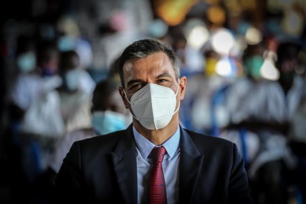 Sánchez llega a Dakar para reforzar la lucha contra la inmigración irregular